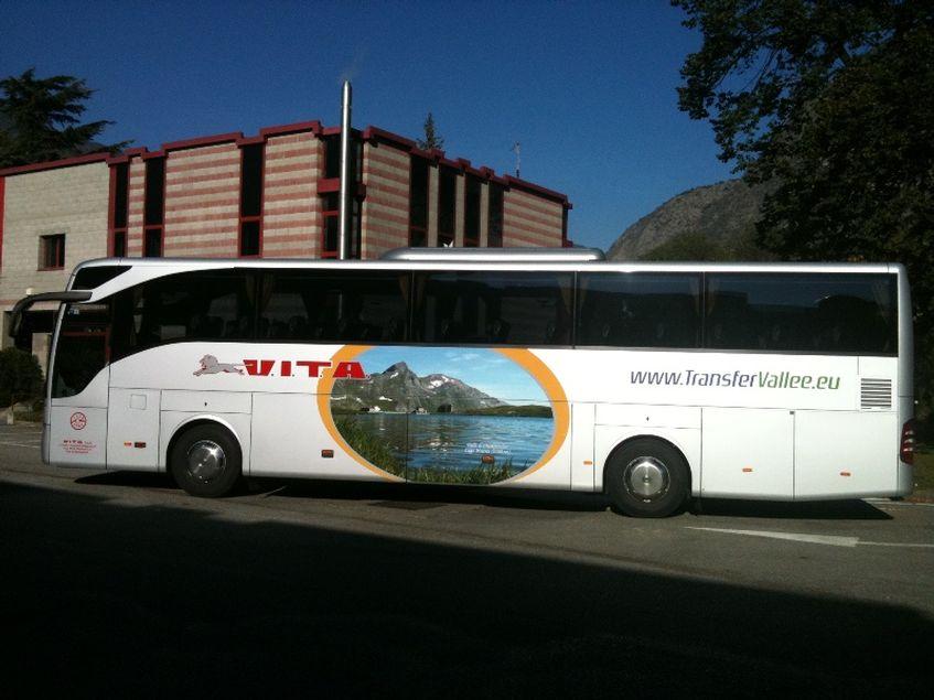 Mercedes Tourismo R2