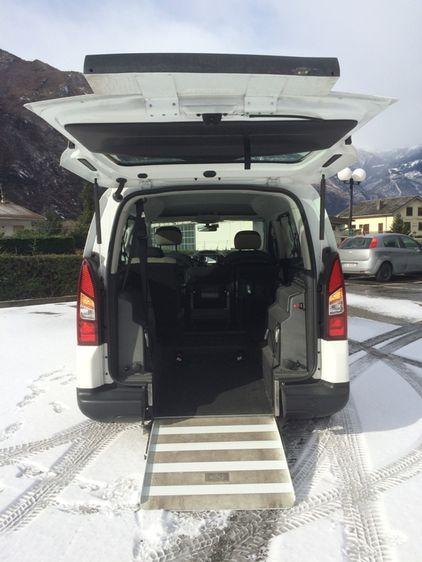 Citroen Berlingo - pedana per accesso diasabili con carrozzina